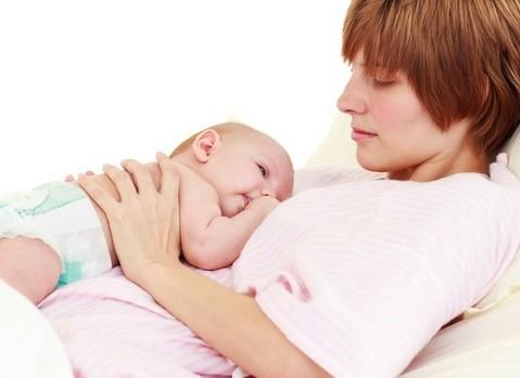 宝宝发烧抽搐有什么急救方法